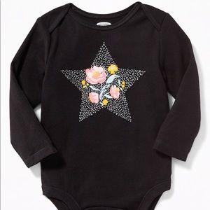 5/$25 Floral star Old Navy Onesie NWT